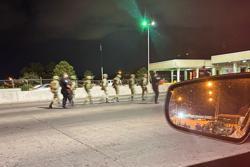 U.S. border agents briefly detain 14 Mexican soldiers in El Paso