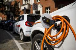 Electric cars have significantly higher repair costs, research shows
