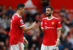 Soccer-Man United's Fernandes vows to bounce back after penalty miss