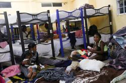 Thousands of mostly Haitian migrants traverse Panama on way to United States