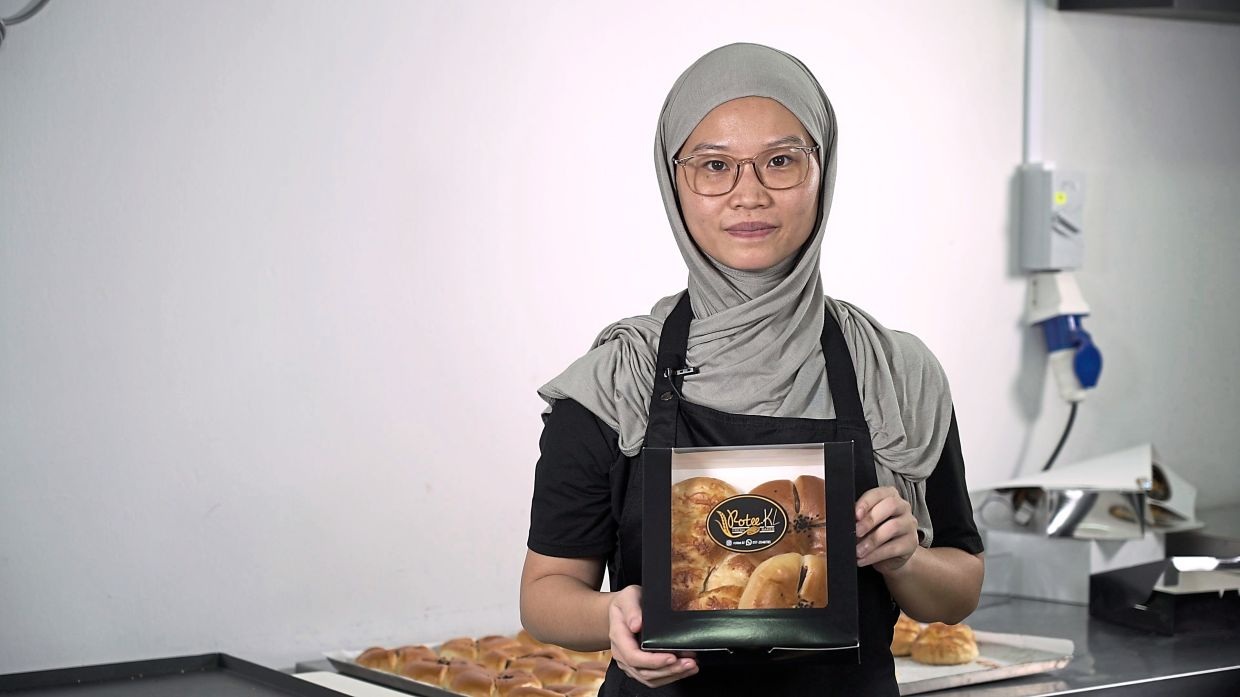 Ee, marketing manager of Rotee.KL, which now offers not just bread but also pastries.
