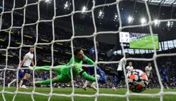 Soccer-We got smashed, says Tottenham keeper Lloris after Arsenal defeat
