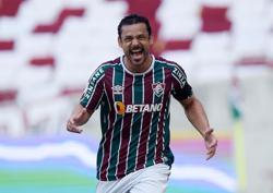Soccer-Fred scores again as Fluminense beat Bragantino 2-1