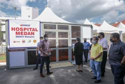S'wak first to give booster shots