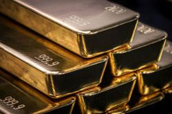 Former bank relationship manager charged with CBT for buying gold bars without customer's knowledge