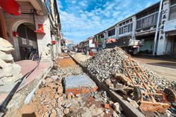 Customer hurt in manhole mishap