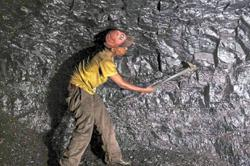 Insight - Surging coal prices split Asian buyers into rich and poor