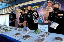 Sampan drug trafficker busted near illegal jetty