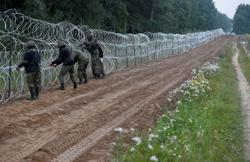 Polish government to ask president to extend state of emergency on Belarus border
