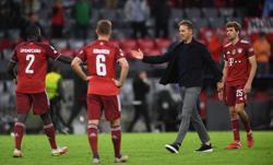 Soccer-Lewandowski scores twice as Bayern demolish Dynamo Kyiv 5-0