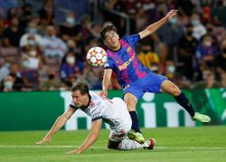 Soccer-Barca teenager Gavi gets shock Spain call up for Nations League finals