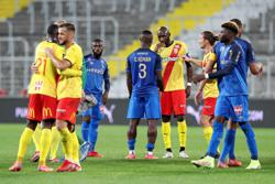 Soccer-Kalimuendo double eases high-flying Lens to victory over Reims