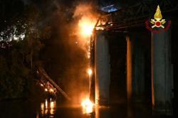 Fire damages Rome's 19th century 'Iron Bridge'