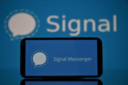 Millions flock to Signal as Facebook, WhatsApp suffer outage