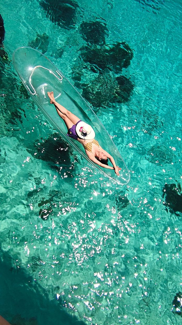 The turquoise waters of Mabul Island is so gorgeous.