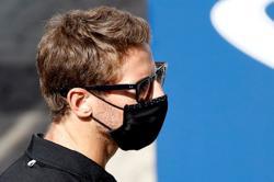 Motor racing-F1 veteran Grosjean passes Indy 500 rookie test