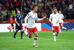 Soccer-Poland cruise to a comfortable victory over San Marino
