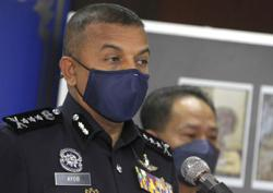 Johor cops raid two entertainment outlets, 118 people issued compound notices