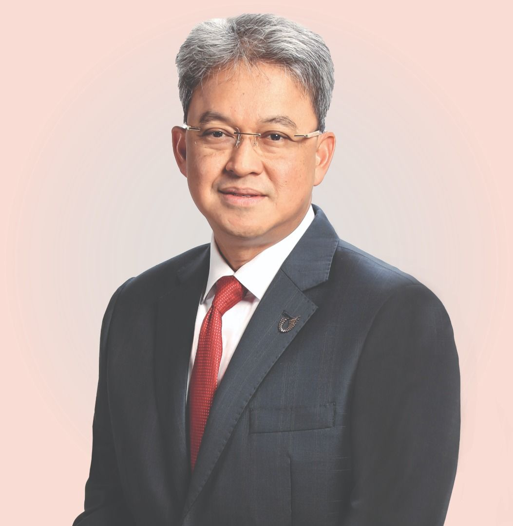 UMW Holdings Bhd president  &  group  CEO Datuk Ahmad  Fuaad  Kenali.