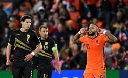 Soccer-Depay double ensures easy win for Netherlands over Gibraltar