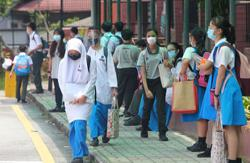 Extend year-end school holidays so that teachers are better prepared, says Maszlee