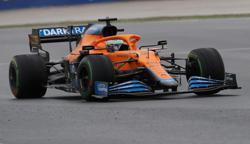 Motor racing-Ricciardo gives a thumbs-up as F1 learns from Grosjean crash
