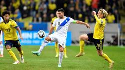 Soccer-Magic Isak inspires Sweden to 2-0 win over Greece