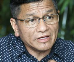 Melaka cops seize official car from Pengkalan Batu rep Norhizam