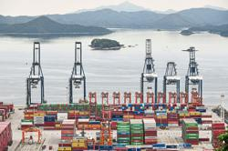 China's Sept exports surprisingly robust despite power crunch
