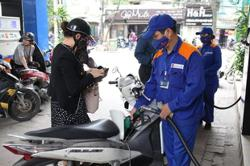 Tax cut proposed to stabilise Vietnam petrol price