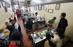Hanoi allows reopening of in-person dining, public transport from Oct 14