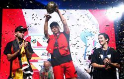 Living room acrobatics earn Peruvian inaugural Balloon World Cup