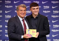 Soccer-Barca president Laporta hails Pedri deal as 'happiest' day