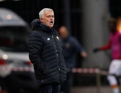 Soccer-Roma's Mourinho demands respect ahead of return to Juventus