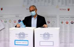 Centre-left favoured to take Rome in Italian municipal run-offs
