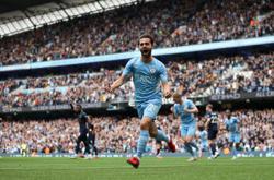 Soccer-Man City's Silva enjoying his best form, says boss Guardiola
