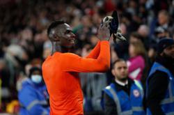 Soccer-Tuchel hails Mendy's 'decisive' role in Brentford win