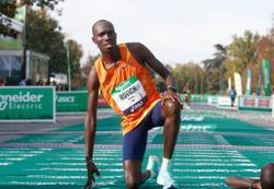 Athletics-Kenya's Rotich, Ethiopian Memuye win Paris Marathon