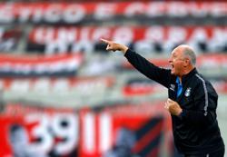 Soccer-Lazio's Felipe sorry for leaping on Inter's Correa