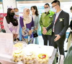Bringing M'sian goods to the Chinese market