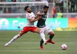 Soccer-Penalty helps Palmeiras return to winning ways in Brazil