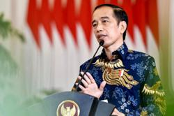 Indonesia halts permit for new fintech lending companies
