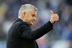 Soccer-Solskjaer eyes tactical tweaks to stop Man Utd slump
