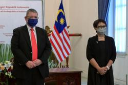 Indonesia and Malaysia agree on travel corridor for businessmen, expedite talks on maritime borders