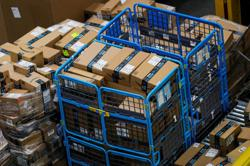Amazon to hire 150,000 U.S. workers for holiday shopping season