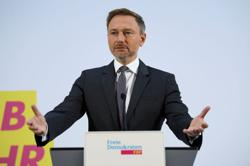 German parties give green light to three-way coalition talks