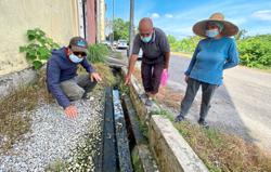 Stench from leaking sewerage upsetting residents of flats in Bandar Puncak Alam