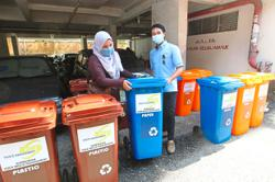 Recycling project for low-cost flats folk promises incentives