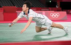 Shifeng, Kwang-hee breathe down top stars' necks