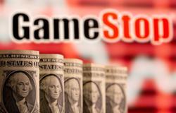 U.S. SEC praises equity market structure, absolves short sellers in GameStop report